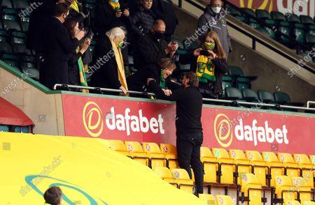 Daniel Farke, manager of Norwich City celebrates with Delia Smith