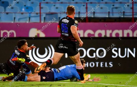 Vodacom Bulls vs Emirates Lions. Bulls' Christopher Smith scores a try