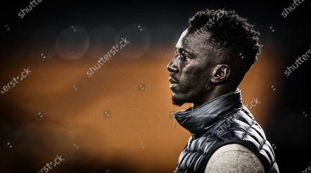 Standard's head coach Mbaye Leye pictured during a soccer match between KV Oostende and Standard de Liege, Saturday 01 May 2021 in Oostende, on day 1 of 6 of the 'Europe' play-offs of the 'Jupiler Pro League' first division of the Belgian championship.
