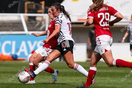 Katie Zelem of Manchester United has a shot- Mandatory by-line: Will Cooper/JMP