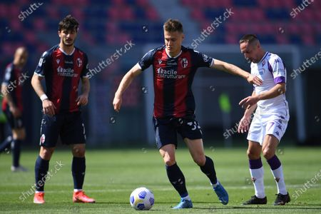 "Franck Ribery (Fiorentina)Mattias Svanberg (Bologna)           during the Italian ""Serie A"" match between Bologna 3-3 Fiorentina  at  Renato Dall Ara Stadium in Bologna, Italy."