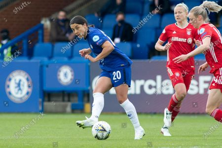 Sam Kerr (Chelsea FC) controls the ball during the 2020-21 UEFA Women's Champions League fixture between Chelsea FC and Bayern Munich at Kingsmeadow.