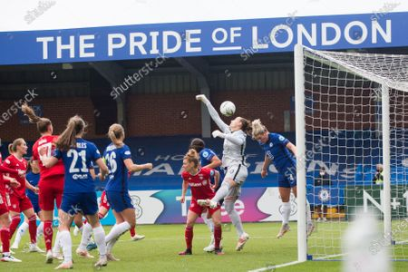 Millie Bright (Chelsea FC) heads the ball during the 2020-21 UEFA Women's Champions League fixture between Chelsea FC and Bayern Munich at Kingsmeadow.