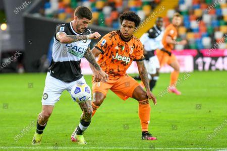 Rodrigo De Paul (Udinese) hindered by Weston McKennie (Juventus)