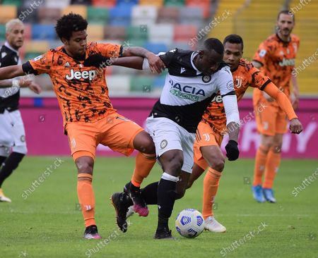 Stock Image of (210503) - UDINE, May 3, 2021 (Xinhua) - FC Juventus' Weston Mckennie (2nd L) lives with Udinese's Stefano Okaka (C) during a series A football match between Udinese and FC Juventus in Udine, Italy, May 2, 2021.