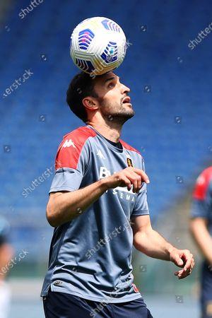 Milan Badelj of Genoa warming UP