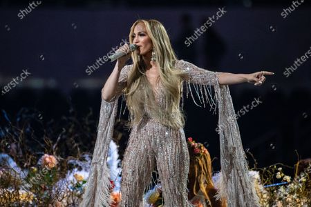 Jennifer Lopez performs at the Vax Live concert at SoFi Stadium on Sunday, May 2, 2021 in Inglewood, CA. (Jason Armond / Los Angeles Times)