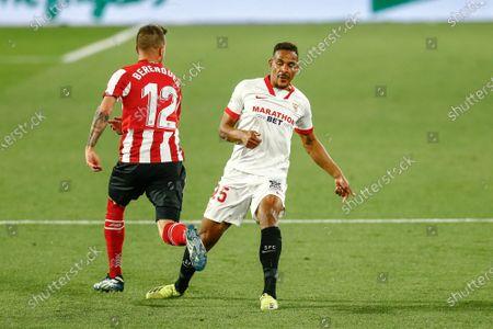 Fernando Reges of Sevilla FC and Alex Berenguer of Athletic Club