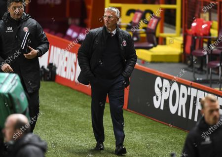 Nigel Adkins manager of Charlton Athletic walks off at full time