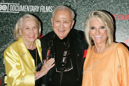 Liz Smith, Ron Galella and President HBO Documentary Films, Sheila Nevins