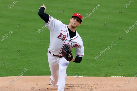 Cincinnati Reds' Jeff Hoffman throws during a baseball game against the Chicago White Sox in Cincinnati, . The White Sox won 9-0