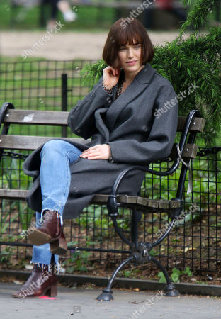 Stock Image of Elizabeth Henstridge on the set of the new Apple TV series Suspicion at Washington Square Park