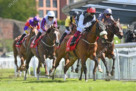 Falcon Eight (Frankie Dettori) heads out on the second circuit before going on to win The tote+ Chester Cup Handicap Stakes.Photo © Hugh Routledge.