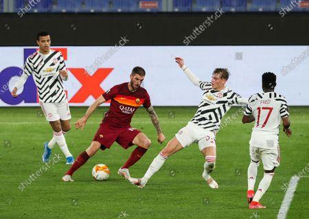 Davide Santon of Roma and Brandon Williams of Manchester United