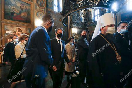 Secretary of State Antony Blinken, center, visits the Mikhailovsky Zlatoverkhy Cathedral (St. Michael's Golden-Domed Cathedral) in Kyiv, Ukraine