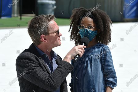 Neil Patrick Harris with families reunited after being separated during COVID