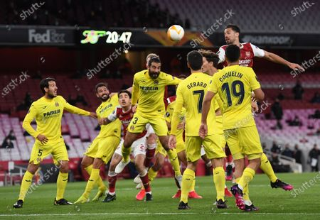 Villarreal's Raul Albiol (C) in action during the UEFA Europa League semi final, second leg soccer match between Arsenal FC and Villarreal CF in London, Britain, 06 May 2021.