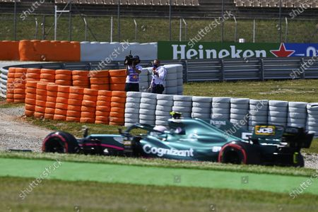 Martin Brundle of Sky TV commentates on Sebastian Vettel, Aston Martin AMR21 during the 2021 Formula One Spanish Grand Prix