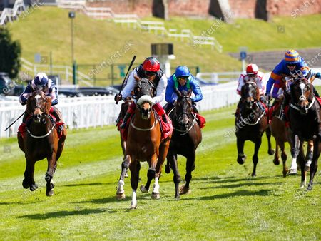 Falcon Eight and Frankie Dettori win the tote + Chester Cup at Chester.