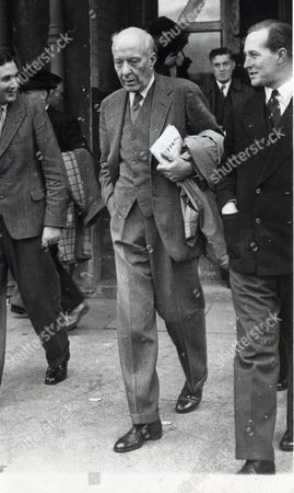 Edward Hugh John Neale Dalton The Right Honourable The Lord Dalton (chancellor Of The Duchy Of Lancaster Chancellor Of The Exchequer) Died 13/02/1962 At The Age Of 75. Baron Dalton Seen Leaving The Labour Conference At Morecambe.