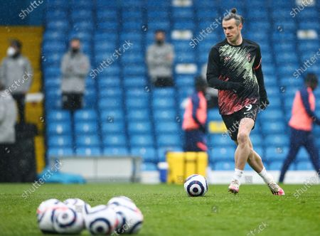Gareth Bale of Tottenham Hotspur warms up ahead of the game
