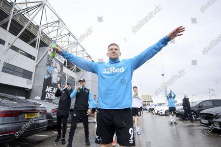 Martyn Waghorn of Derby County celebrates