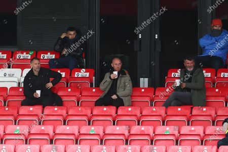 Ryan Giggs sits alongside Nicky Butt and Roy Keane