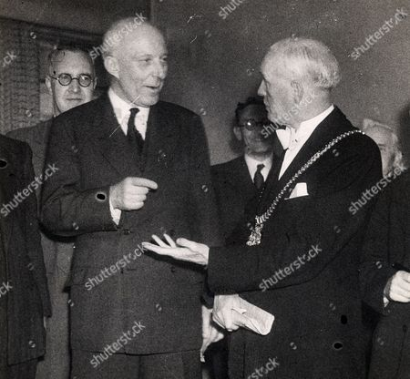 Edward Hugh John Neale Dalton The Right Honourable The Lord Dalton (chancellor Of The Duchy Of Lancaster Chancellor Of The Exchequer) Died 13/02/1962 At The Age Of 75. Baron Dalton Is Seen Speaking With Luke Hogan Lord Mayor Of Liverpool.