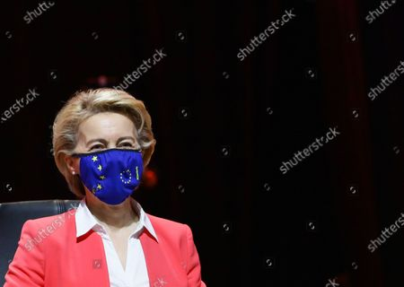 European Commission President Ursula von der Leyen attends a meeting in the framework of the European Social Summit in Porto, Portugal, May 8, 2021. REUTERS/Violeta Santos Moura/Pool