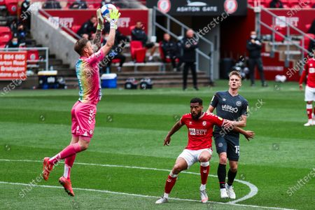 Stock Image of Daniel Bentley of Bristol City catches the ball- Mandatory by-line: Will Cooper/JMP