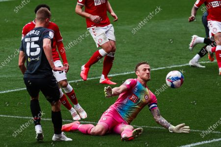 Daniel Bentley of Bristol City saves a shot from Marcus Forss of Brentford- Mandatory by-line: Will Cooper/JMP