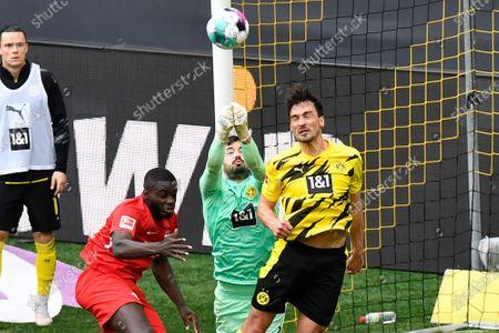 Dortmund's goalkeeper Roman Buerki in action during the German Bundesliga soccer match between Borussia Dortmund and RB Leipzig in Dortmund, Germany