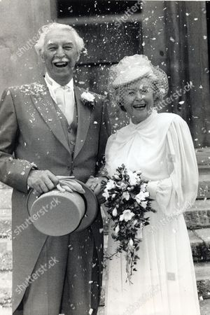 Peggy Archer (june Spencer) Marries Jack Woolley (arnold Peters) In The Archers