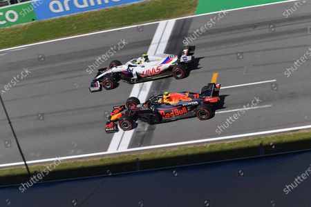 Mick Schumacher (DEU#47), Haas F1 Team, Sergio Perez (MEX#11), Red Bull Racing Honda / action press