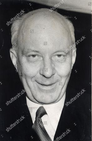 Edward Hugh John Neale Dalton The Right Honourable The Lord Dalton (chancellor Of The Duchy Of Lancaster Chancellor Of The Exchequer) Died 13/02/1962 At The Age Of 75. Baron Dalton