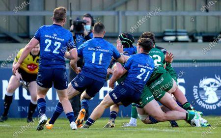 Connacht vs Leinster. Connacht's Peter Sullivan scores a try