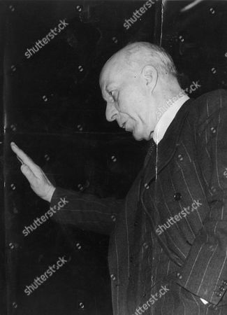 Edward Hugh John Neale Dalton The Right Honourable The Lord Dalton (chancellor Of The Duchy Of Lancaster Chancellor Of The Exchequer) Died 13/02/1962 At The Age Of 75.