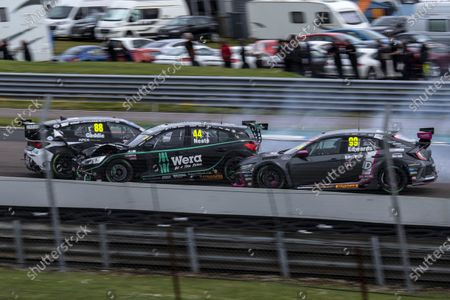 THRUXTON, UNITED KINGDOM - MAY 08: Glynn Geddie (GBR) - Team HARD Cupra Leon, Andy Neate (GBR) - Motorbase Performance Ford Focus ST and Jade Edwards (GBR) - BTC Racing Honda Civic Type R are involved in an accident at the start of Race 2 during the Thruxton at Thruxton on May 08, 2021 in Thruxton, United Kingdom. (Photo by JEP / LAT Images)