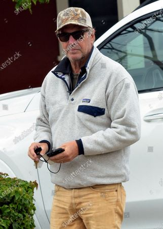 Exclusive - Kevin Costner out and about, Montecito