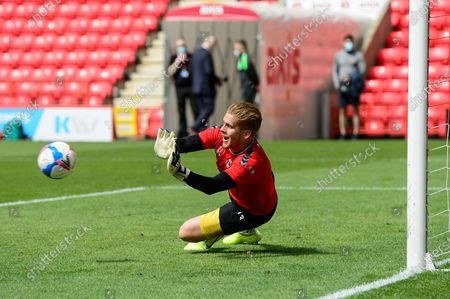 Charlton Athletic goalkeeper Ben Amos (13) warm up during the EFL Sky Bet League 1 match between Charlton Athletic and Hull City at The Valley, London