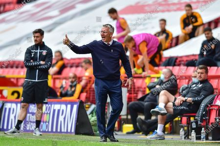 Charlton Athletic manager Nigel Adkins shows thumbs up during the EFL Sky Bet League 1 match between Charlton Athletic and Hull City at The Valley, London