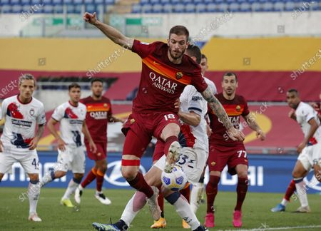 Roma's Davide Santon in action during the Italian Serie A soccer match AS Roma vs FC Crotone at the Olimpico stadium in Rome, Italy, 09 May 2021.