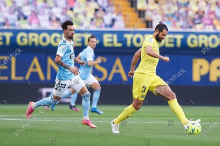 Raul Albiol of Villarreal CF during the La Liga Santander match Villarreal and Celta de Vigo at Estadio de la Ceramica on 9 May, 2021 in Vila-real, Spain