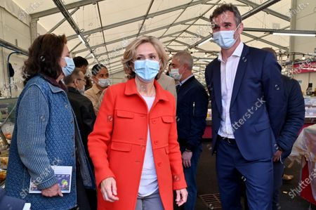 Valerie Pecresse is campaigning for her re-election to the presidency of the Ile-de-France region on the march of Asnieres-sur-Seine, along with the mayor of the city Manuel Aeschlimann and his wife Marie-Dominique Aeschlimann