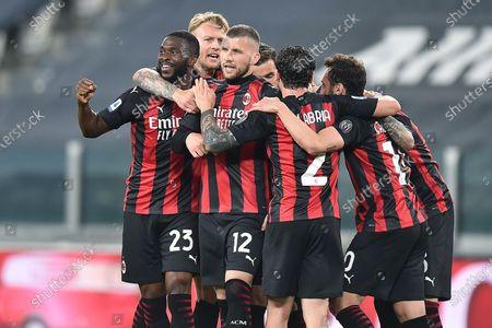 Milan's Ante Rebic (C)  celebrates scoring during the Italian Serie A soccer match Juventus FC vs AC Milan at the Allianz Stadium in Turin, Italy, 9 May 2021.
