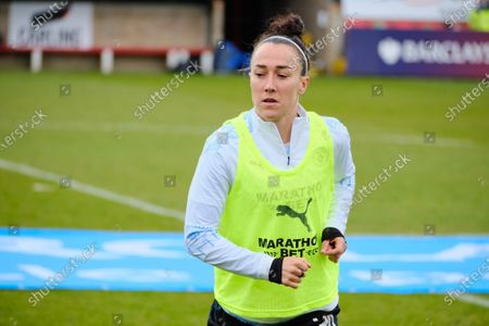 Lucy Bronze (20 Manchester City) warming up
