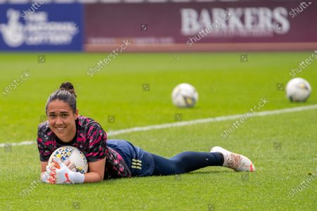 Manuela Zinsberger (1 Arsenal) in the warm up