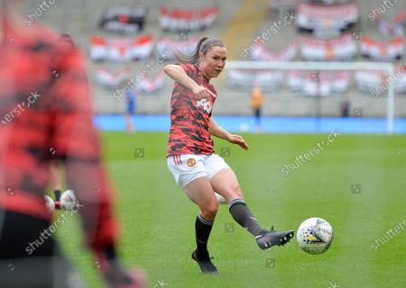 Jane Goldman (19 Manchester United) warms up