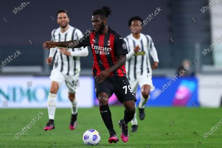 Franck Kessie of Ac Milan looks on during the Serie A match between Juventus Fc and Ac Milan.