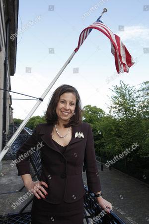 Stock Image of Dana Linnet
